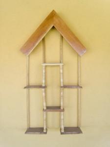 Etajere de perete sub forma de casuta