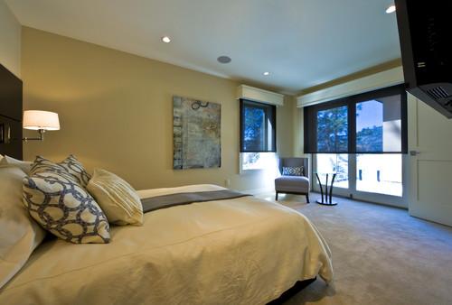 Dormitor cu roleta textila si cornisa decorativa