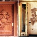 Modele de usi de exterior din lemn masiv sculptate manual