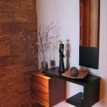 Aranjament pentru hol din cuburi si etajera suspendate pe perete