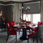Camera decorata in alb si negru cu accent de culoare in rosu