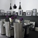 Camera decorata in alb si negru cu elemente de decor mov