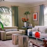 Camera in culori neutre inveselita prin accesorii colorate