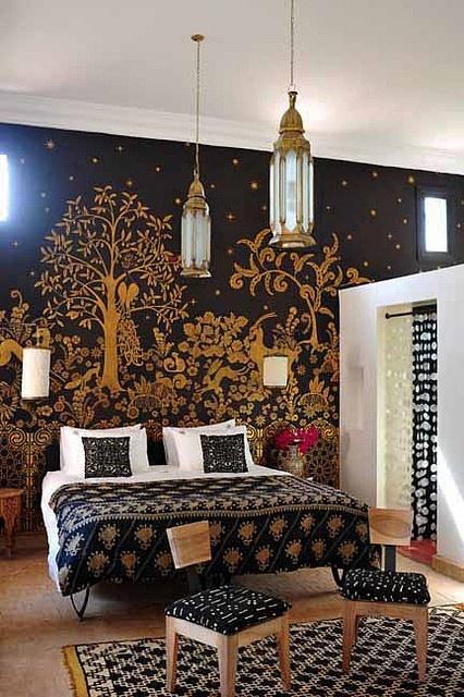 Dormitor superb in stil marocan cu negru si accente aurii