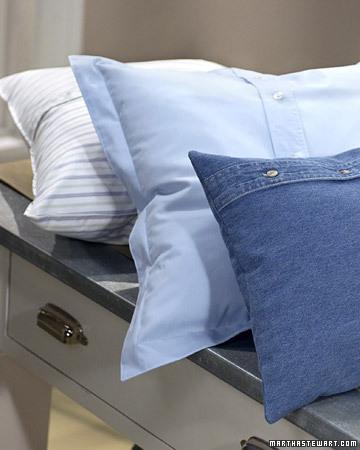 Perne decorative realizate din camasi refolosite