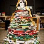 Idee de aranjare a cartilor in librarii pentru Craciun