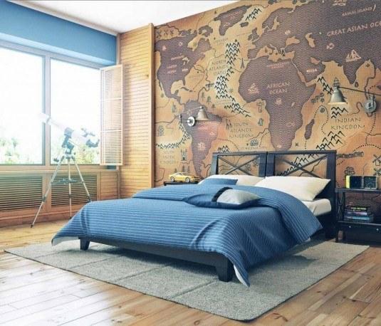Interior modern cu tapet cu harta