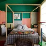 Baldachin din lemn dormitor colorat retro