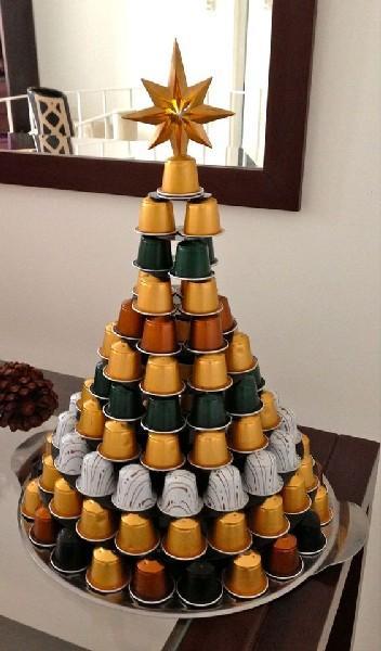 brad-decorativ-din-capsule-de-cafea