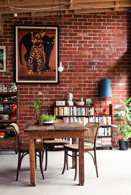 Dining cu masa si scaune din lemn masiv