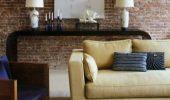 Idee amenajare living cu ziduri de caramida